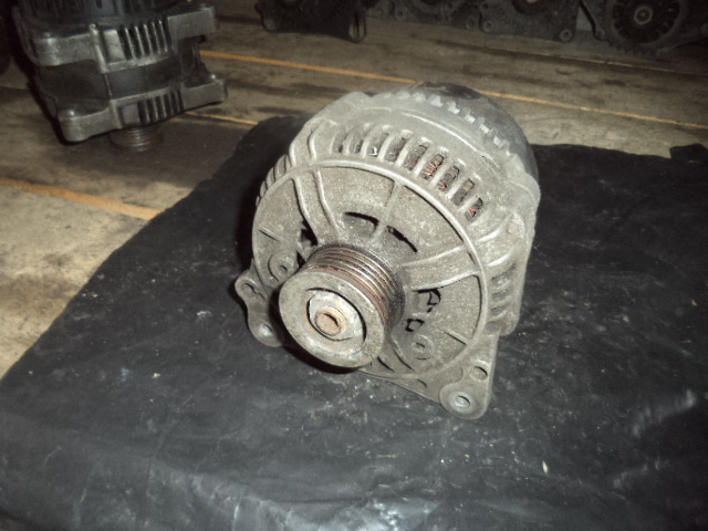 Alternator Chrysler Voyager III 2.5 TD, Dodge Caravan 2.5 TD cod 0123510037