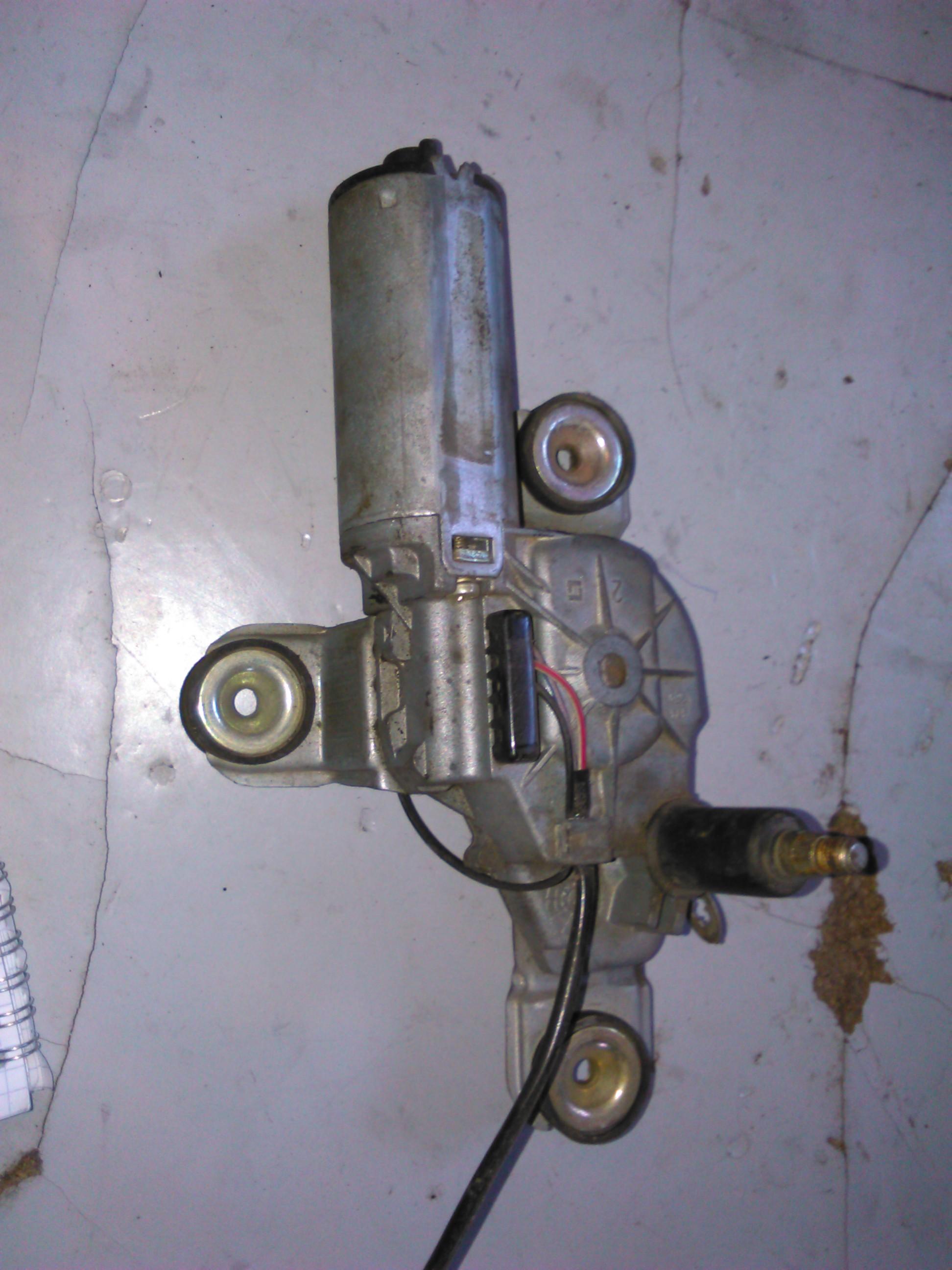 Motoras stergator spate Ford Ka cod 97kg-17k441-ac