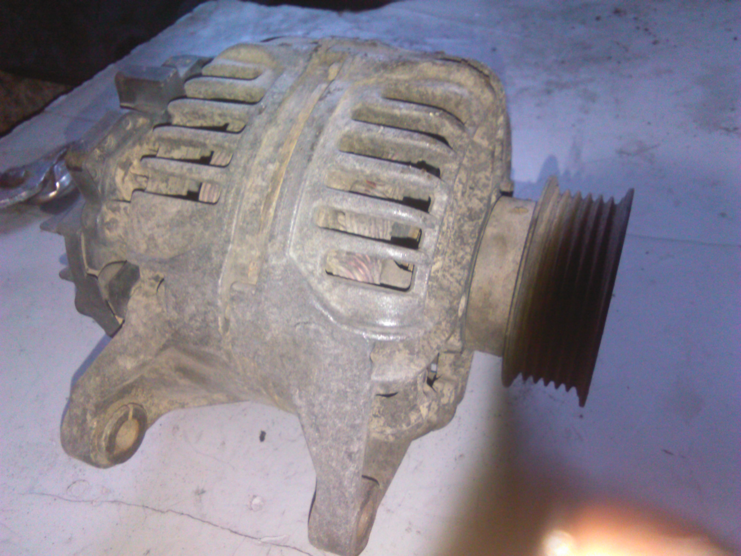 Alternator Iveco Daily II 2800 cod 0124320001