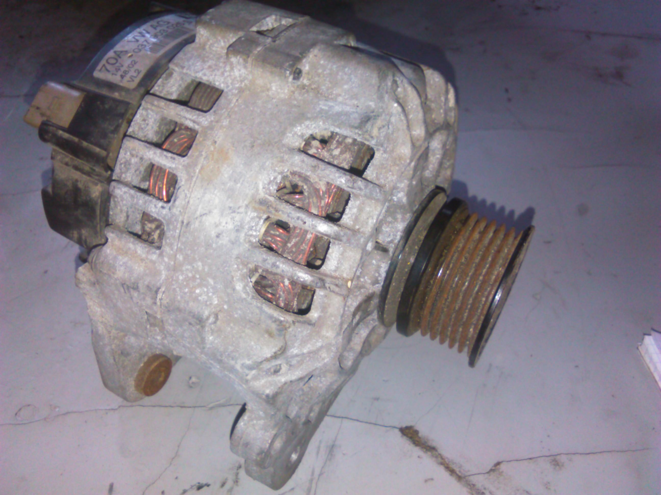 Alternator Vw Bora 1.6 cod 037903025S