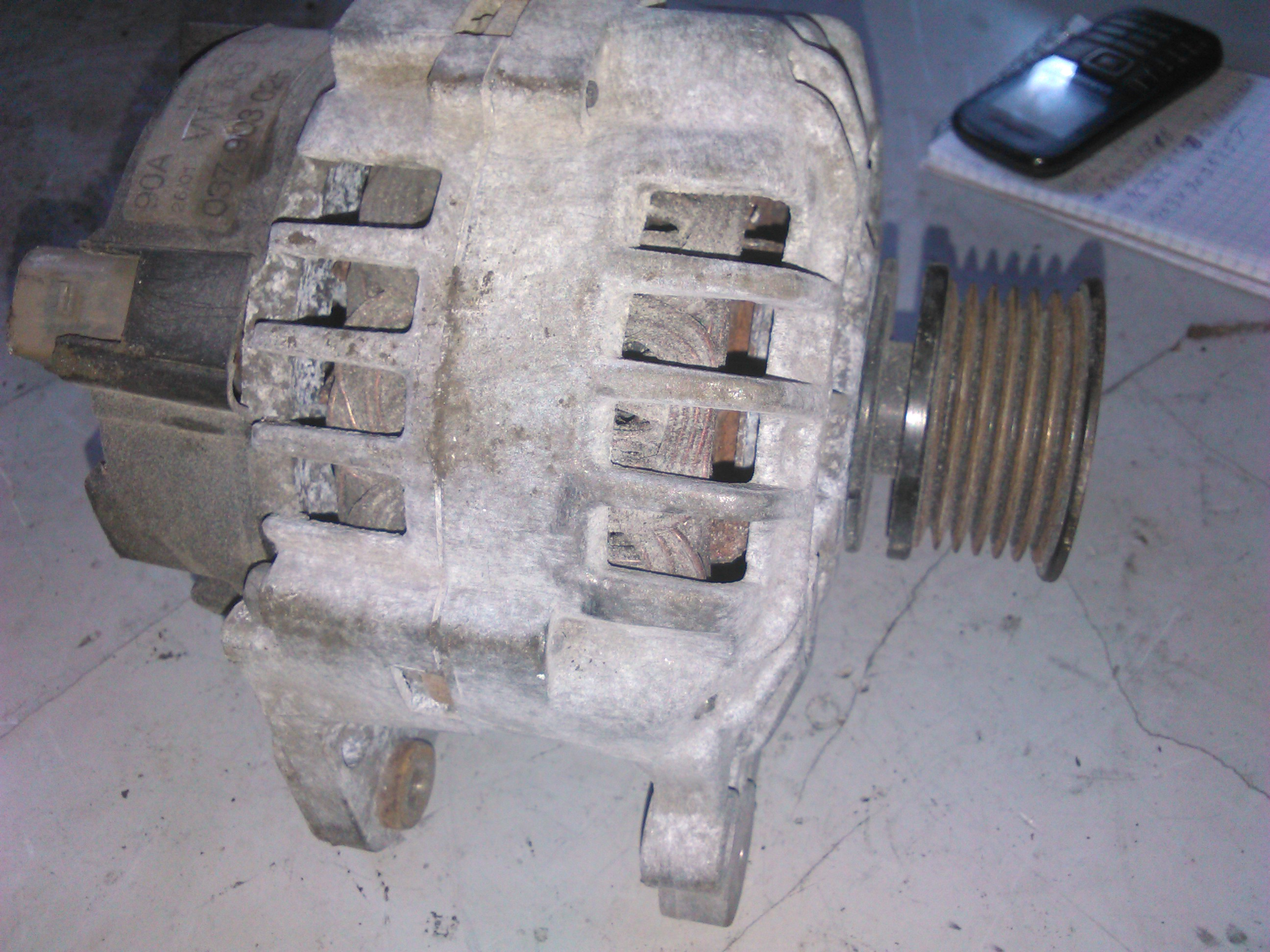 Alternator Vw Bora 1.9tdi cod 037903025T