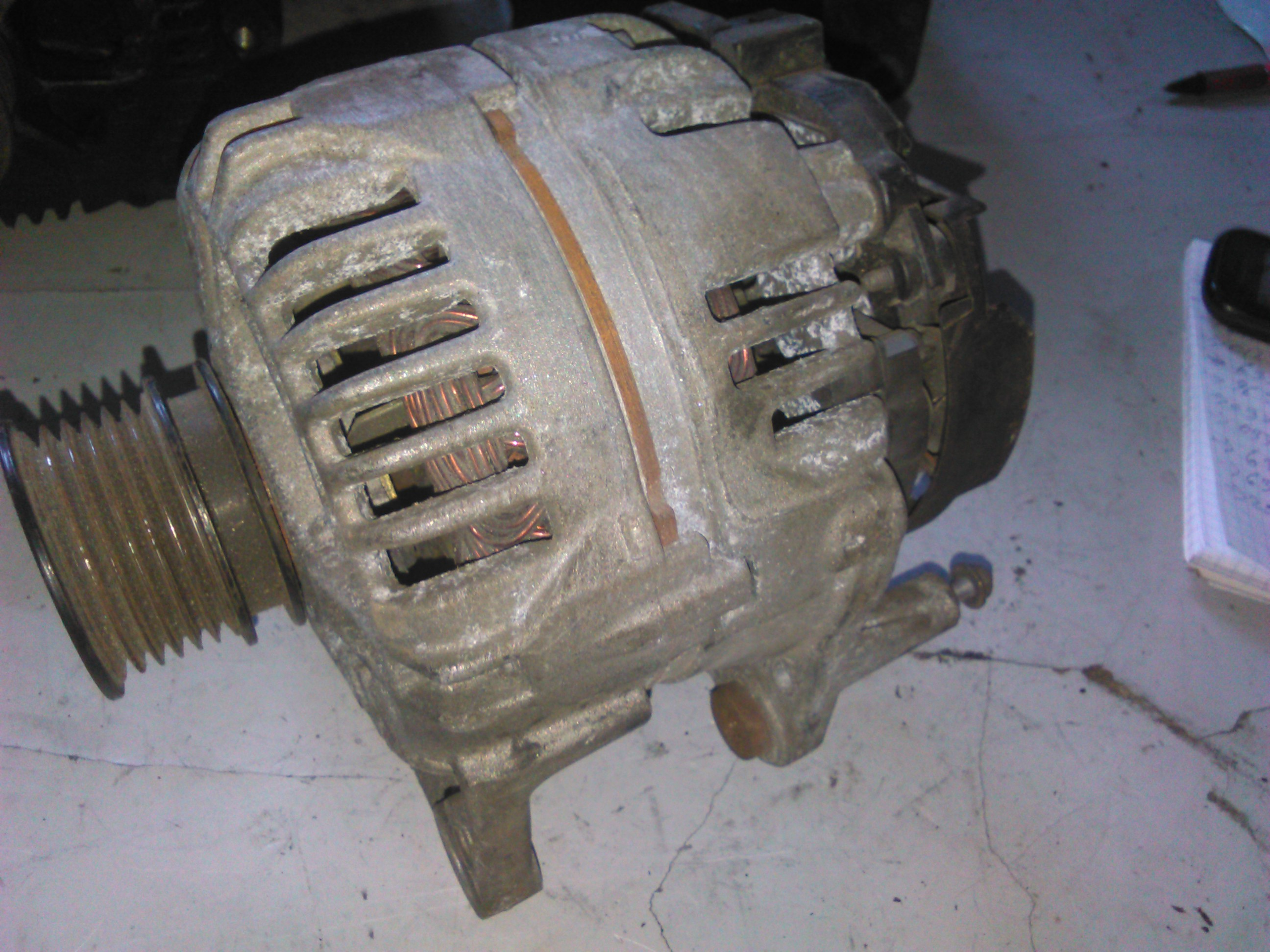 Alternator Vw Caddy 1.4, 1.4 16v cod 037903025L