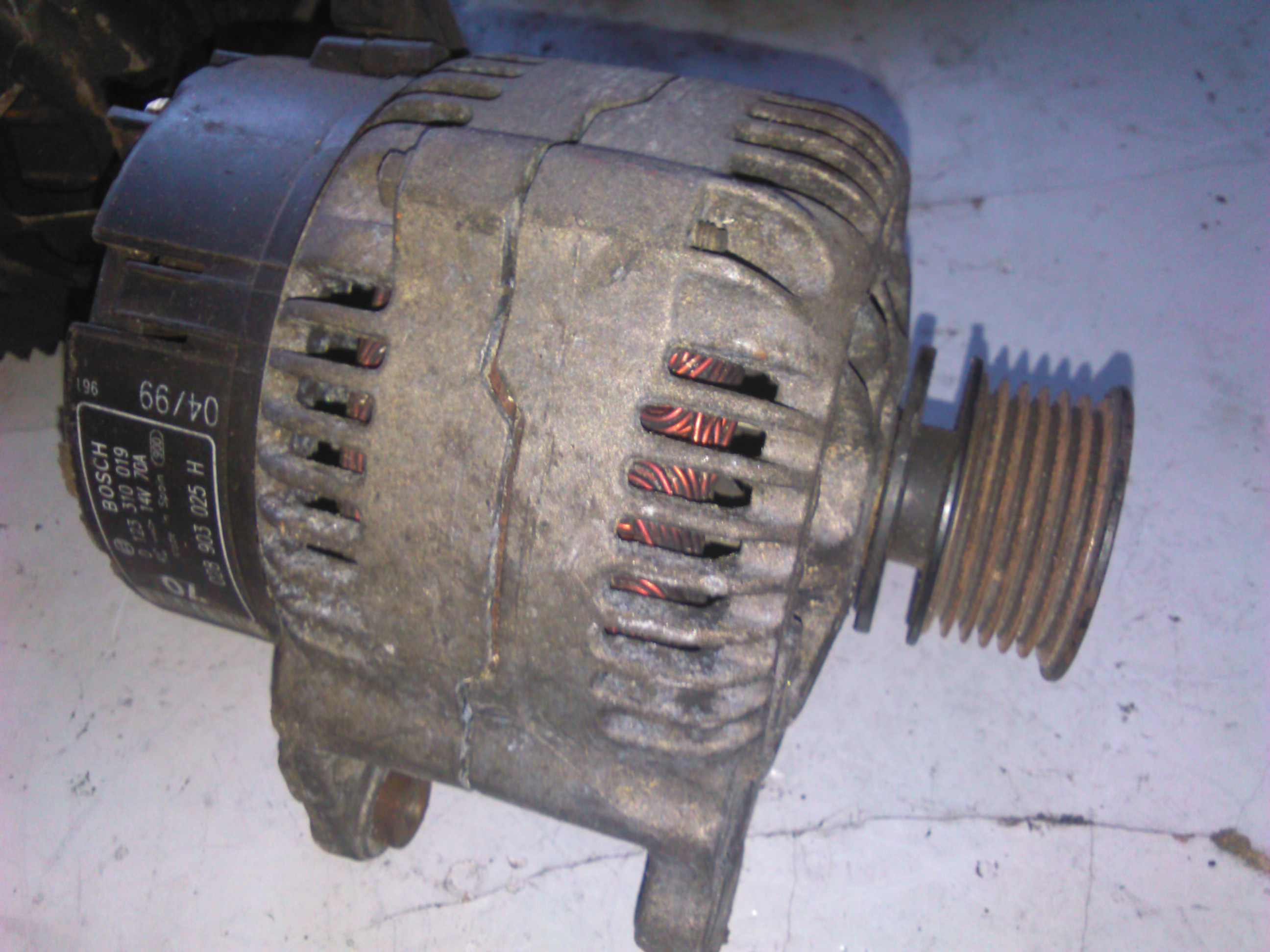 Alternator Vw New Beetle 1.9tdi cod 0123310019