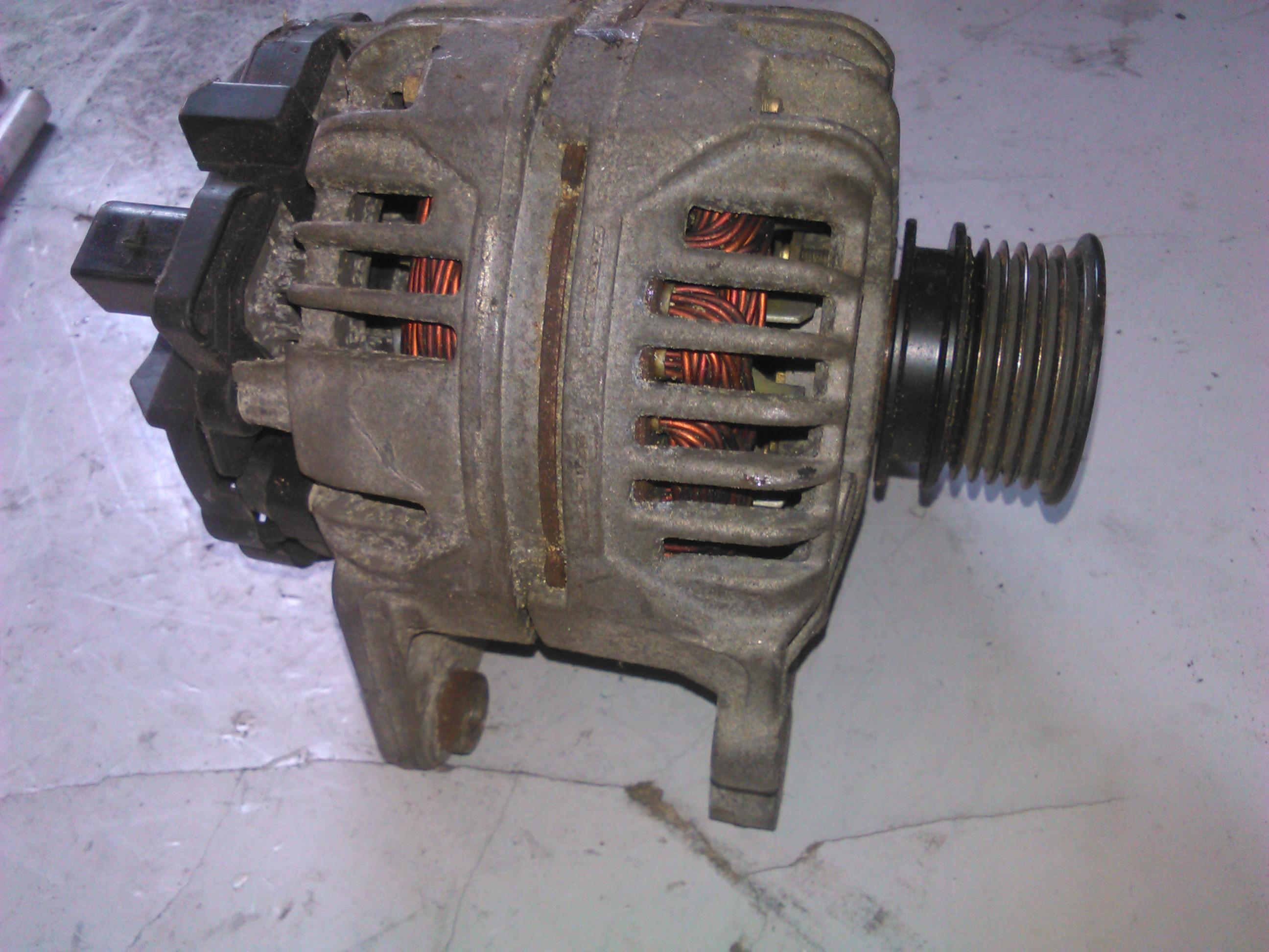 Alternator Vw Polo 1.4 16V cod 037903025M