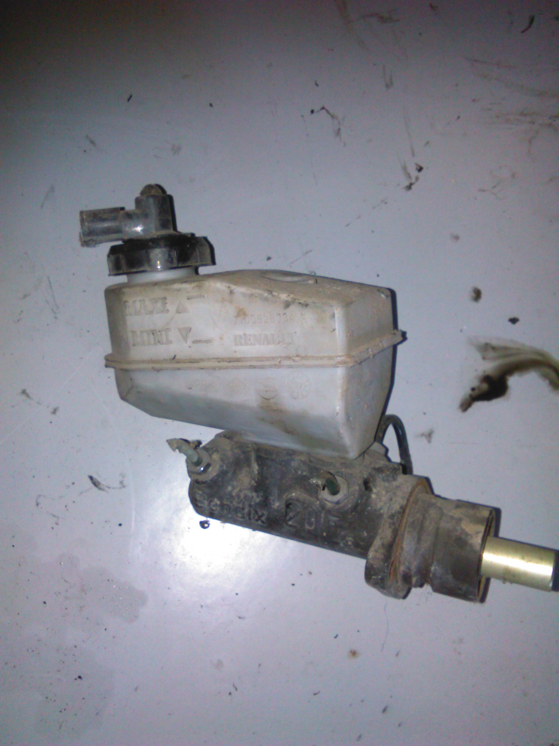 Pompa Frana Renault Megane cod 7700828034f