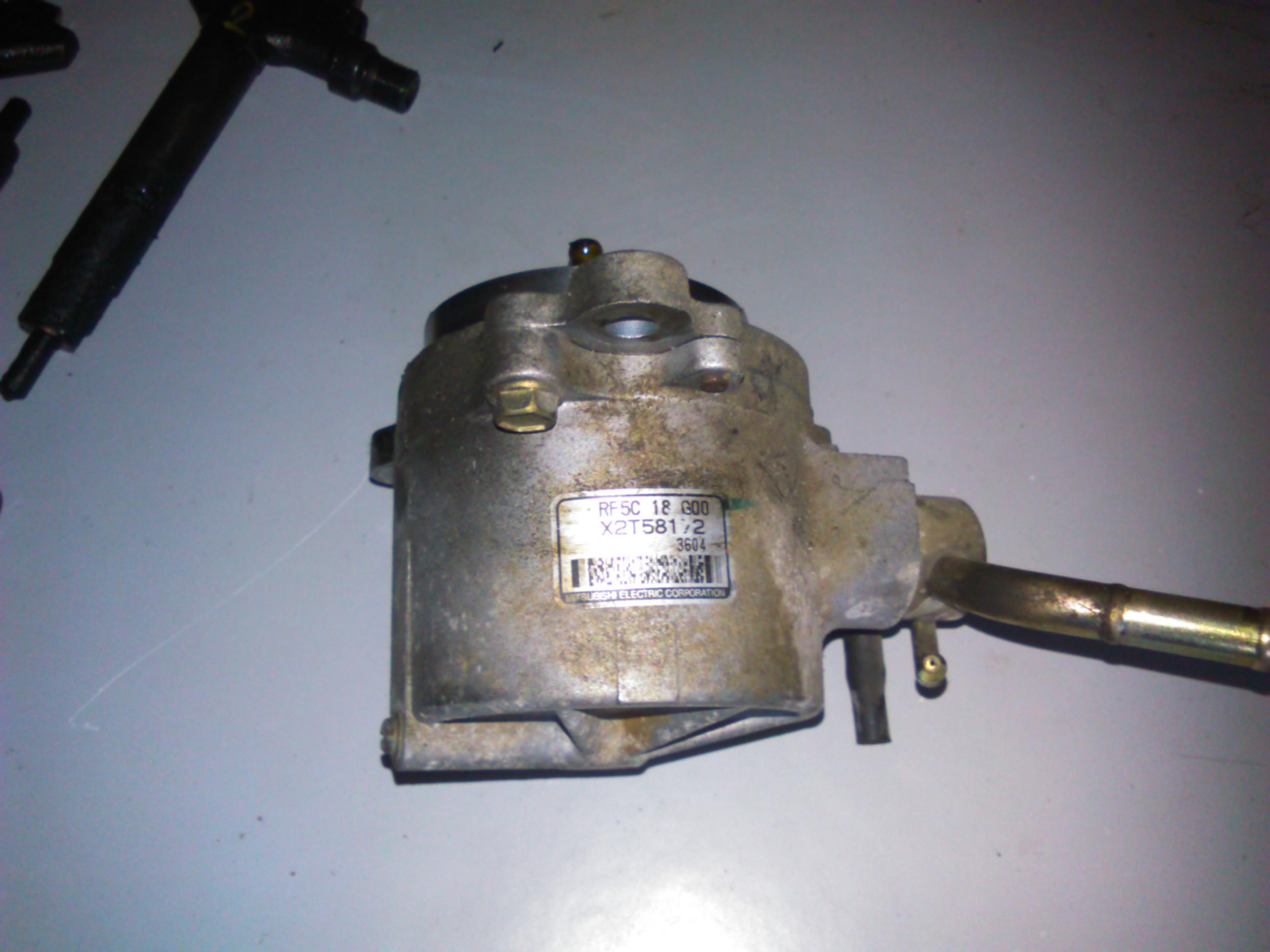 Pompa vacuum Mazda 6 2.0di RF5C