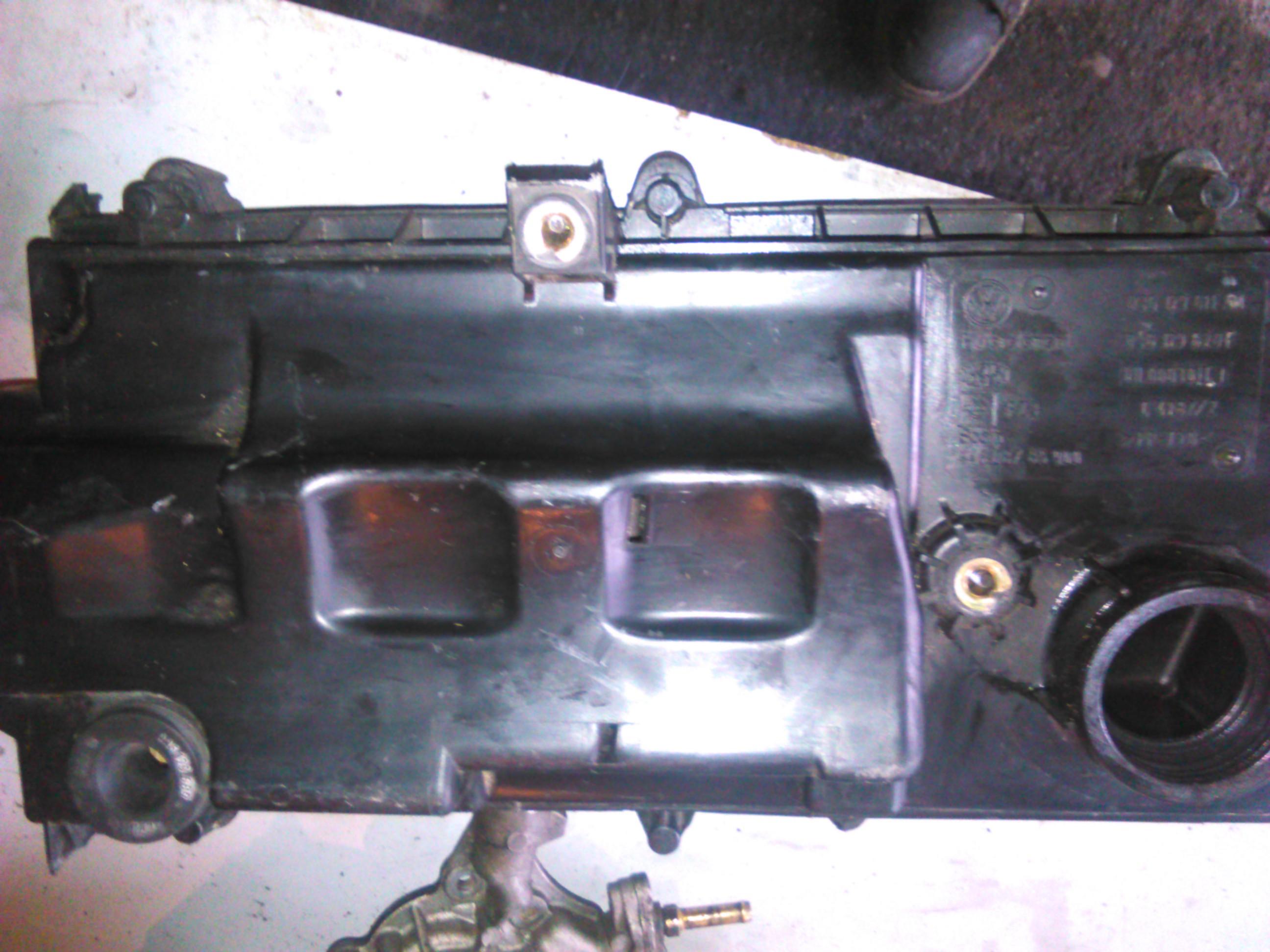 Carcasa Filtru aer Vw Golf IV 1.4 16V cod 036129611AM