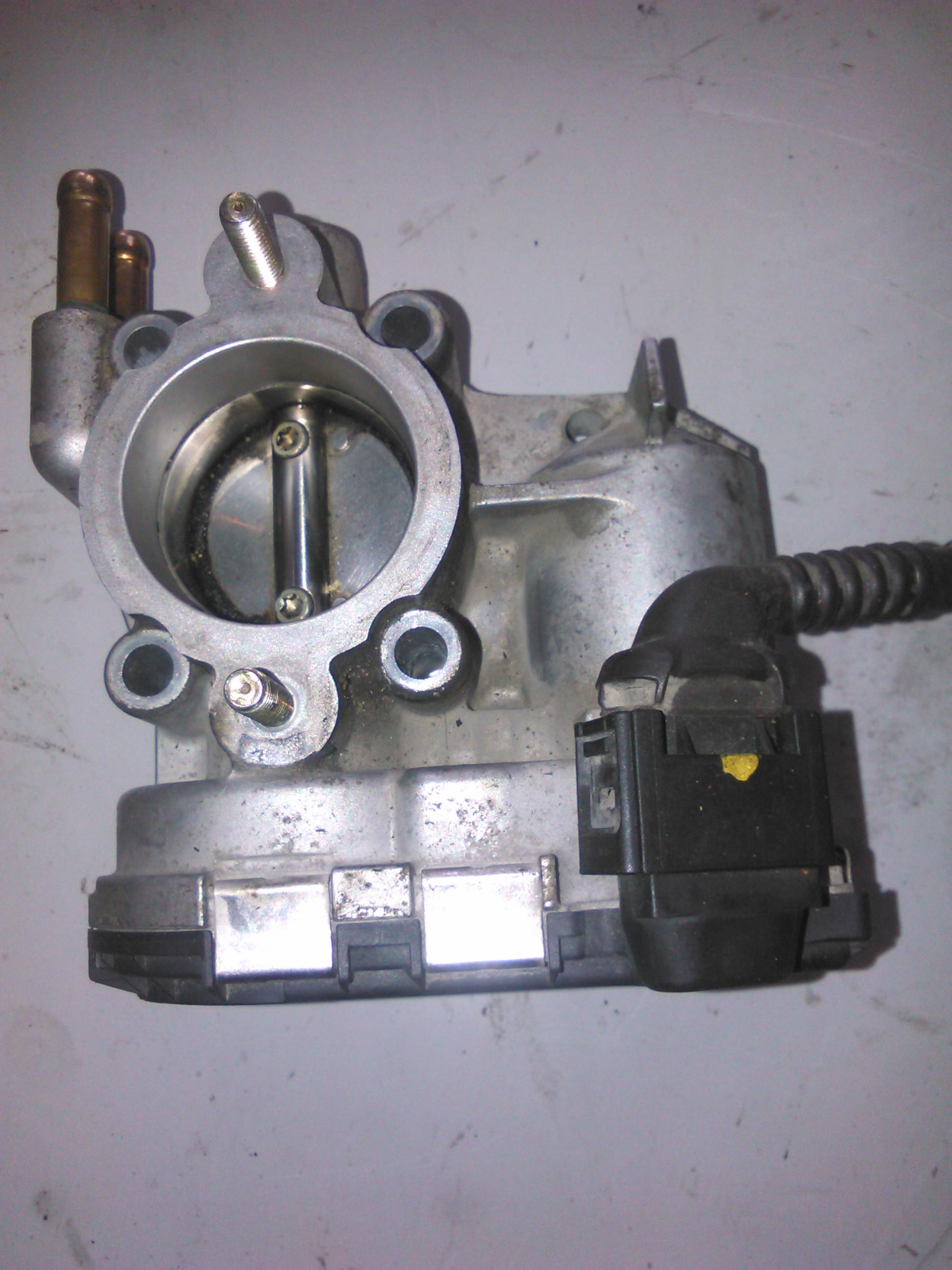 Clapeta de acceleratie Opel Corsa C 1.2 cod 9157512