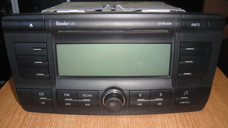 CD PLAYER SKODA OCTAVIA 2