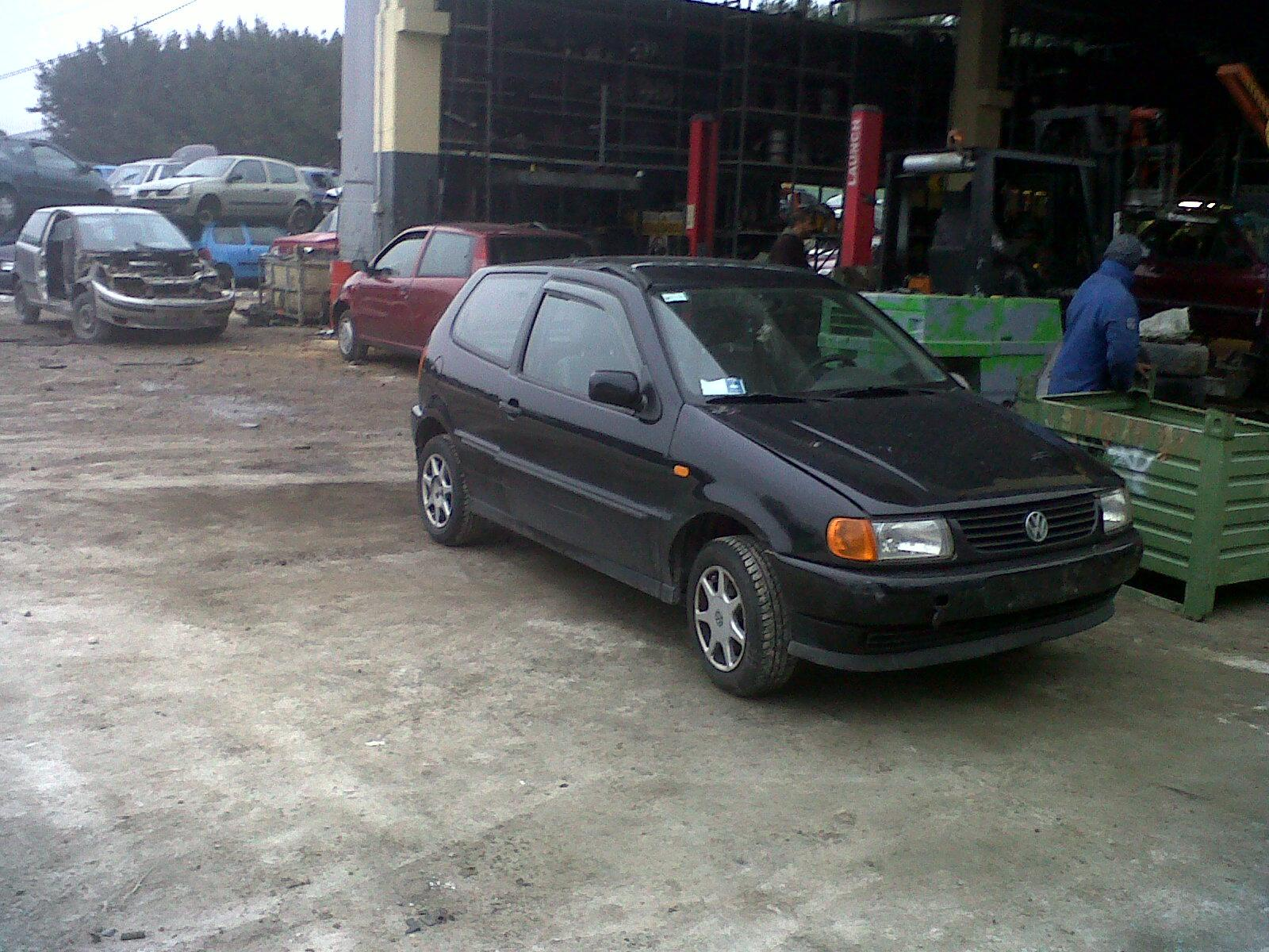 Dezmembrez volkswagen polo 1995