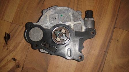 Pompa vacuum  cod 03l 145 100