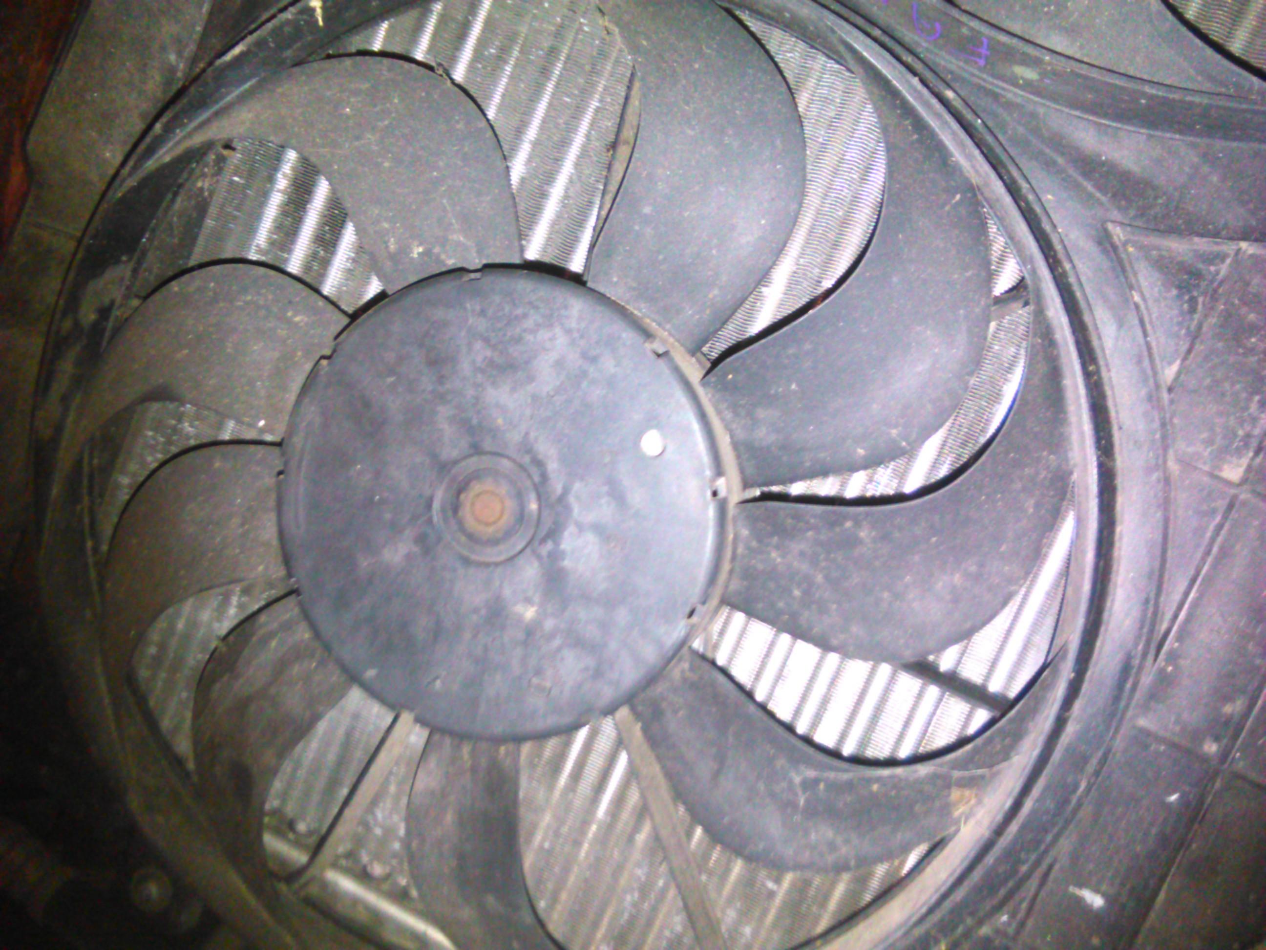Electroventilator Skoda Fabia 1.4 16v cod 881062023