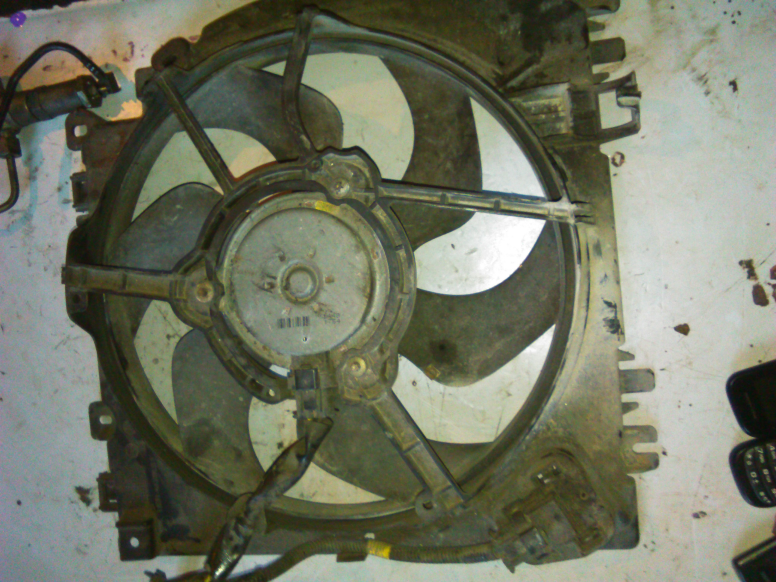 Ventilator Nissan Micra 1.5dci cod 183142016E