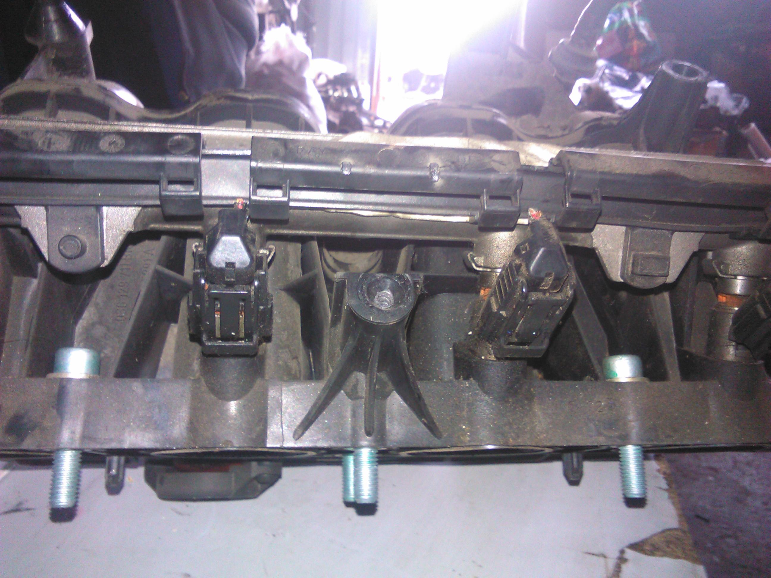 Rampa Injectoare Seat Ibiza 1.4 16v motor AUA