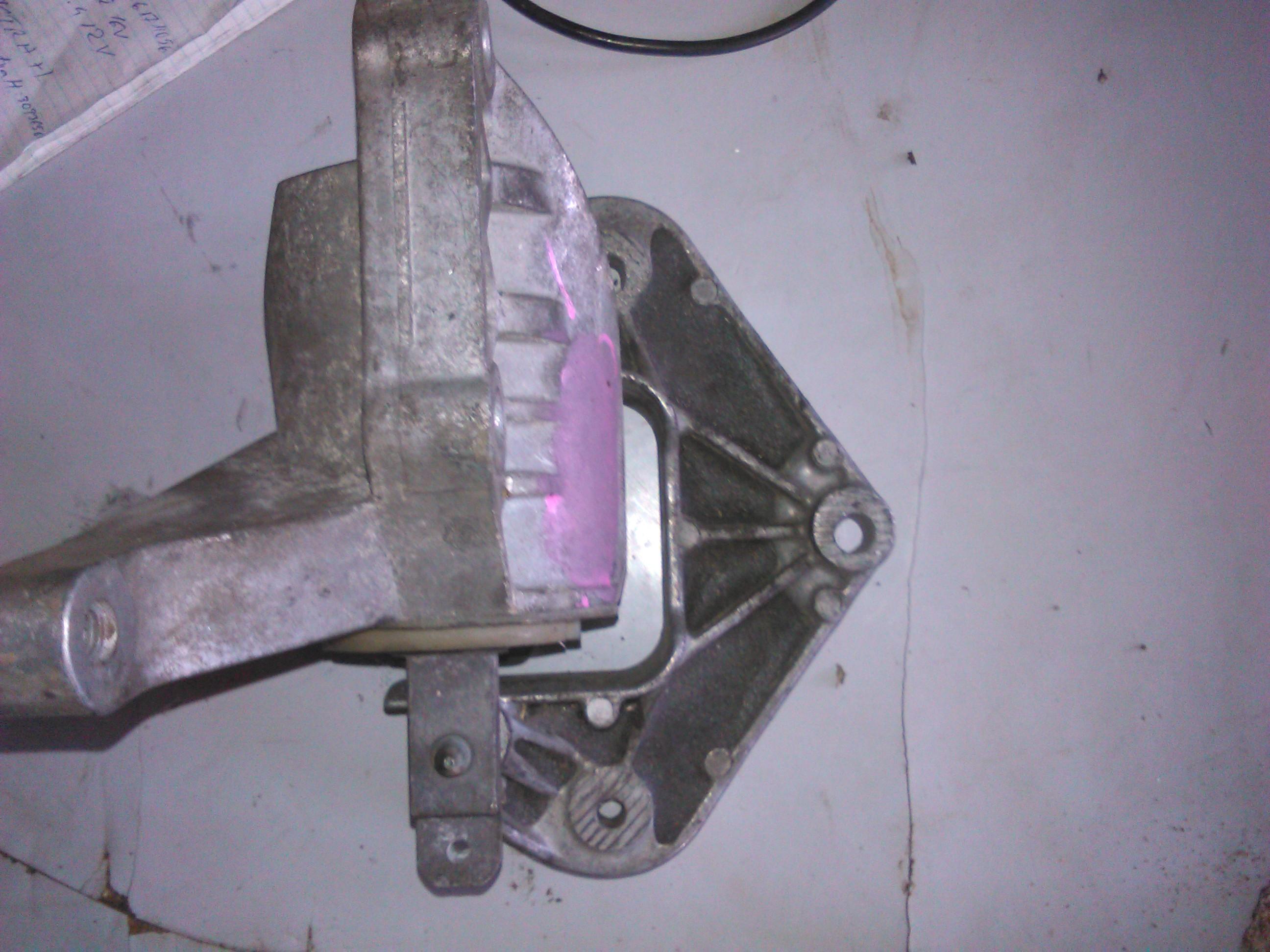 Suport motor Audi A2 1.4tdi cod 8z0199543a