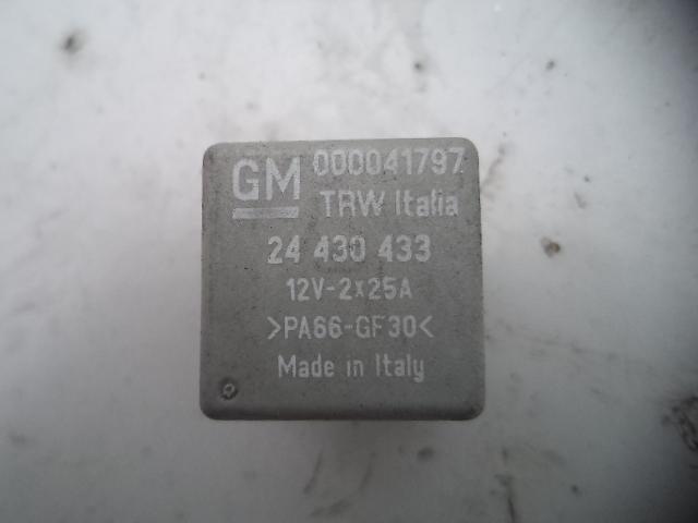 Releu Opel Corsa C GM 000041797, 24430433
