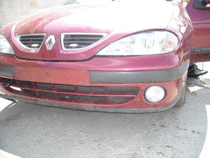 Dezmembrez Renault Megane 1, 1.4i, 16 v, 70 kw din 2000, radiator clima