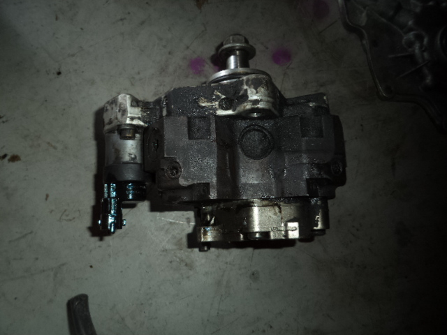 Pompa inalta presiune Renault Master 2.5dci cod 8200041766