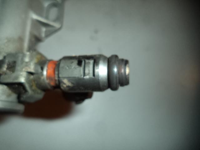 Injector Vw Golf IV 1.4 cod 036031G