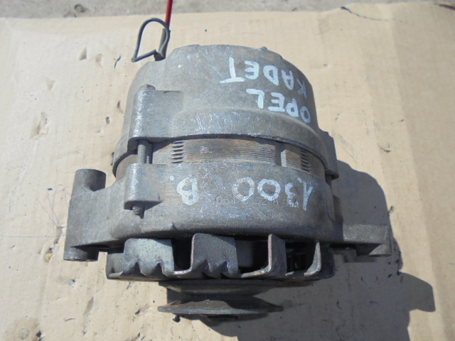 Alternator Opel Kadet cod 06152855A