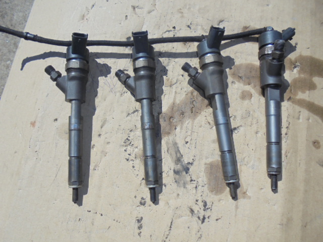 Injector Toyota Yaris 1.4 d4d cod 0445110262