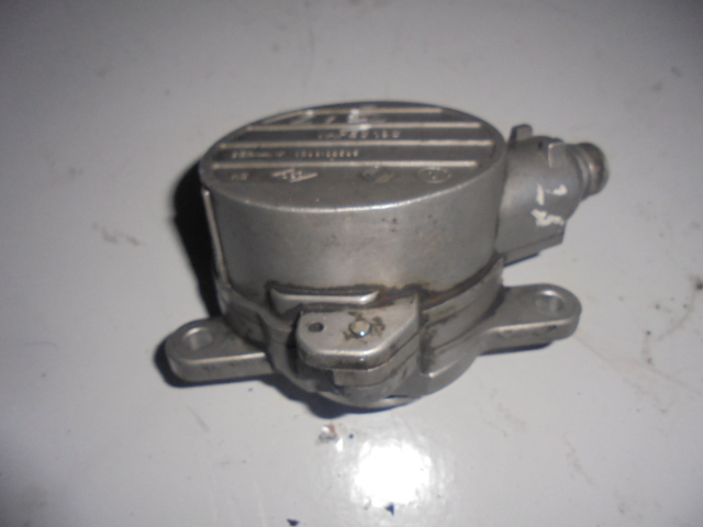 Pompa Vacuum Renault Master 2.5dci cod 8200102535