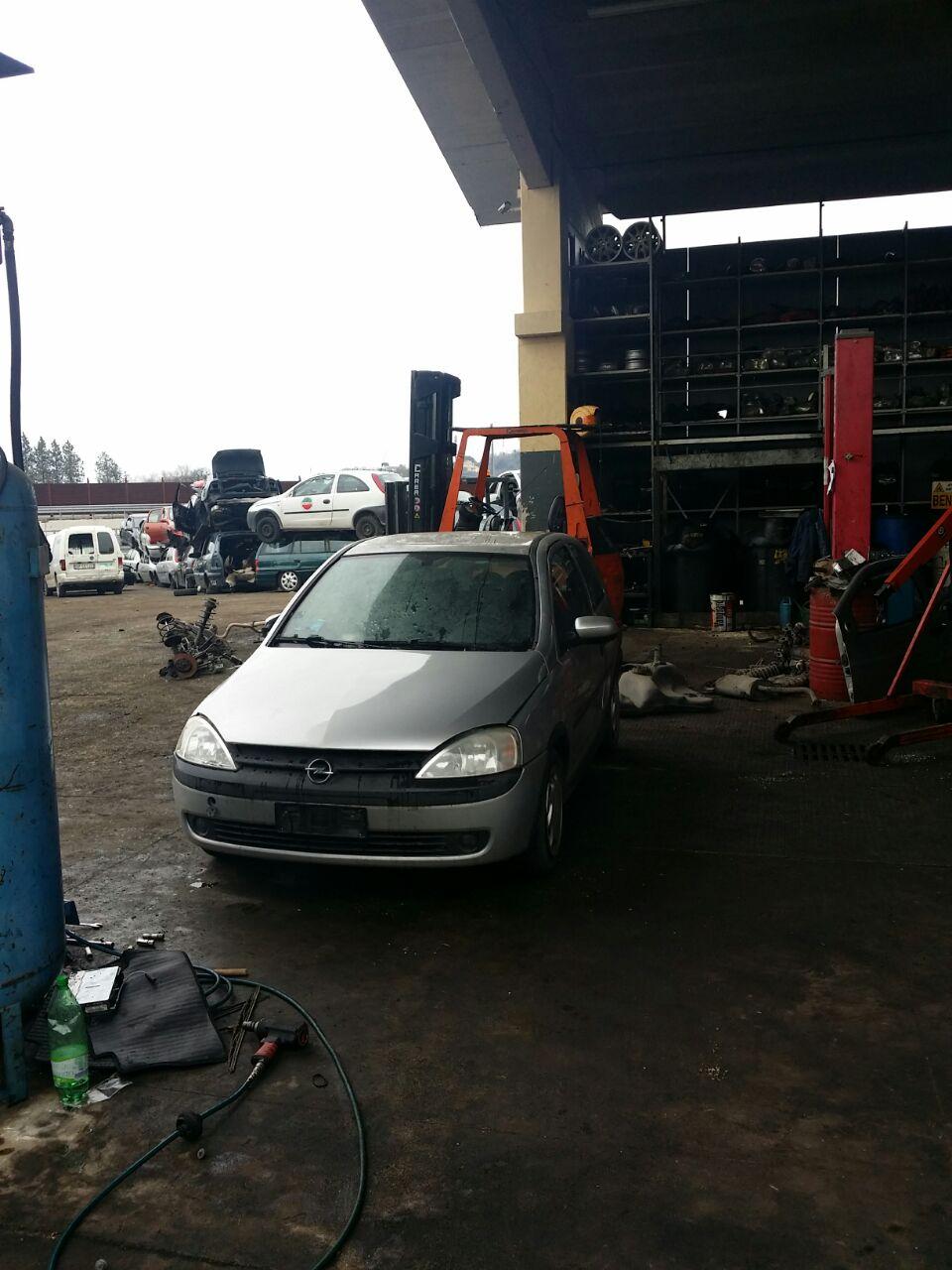 Dezmembrari auto Opel Corsa C 1.0 12v 433kw 58cp z10xe