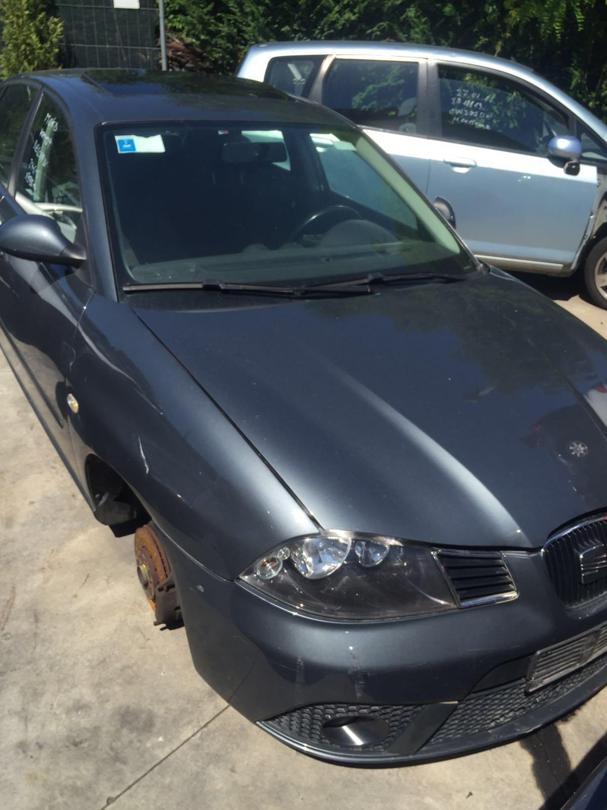 Dezmembrez Seat Ibiza 6L1 culoare gri LS72 motor: 1.9 TDI AXR