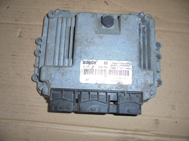 calculator sau ecu renault trafic 2.5 dci hom8200091517