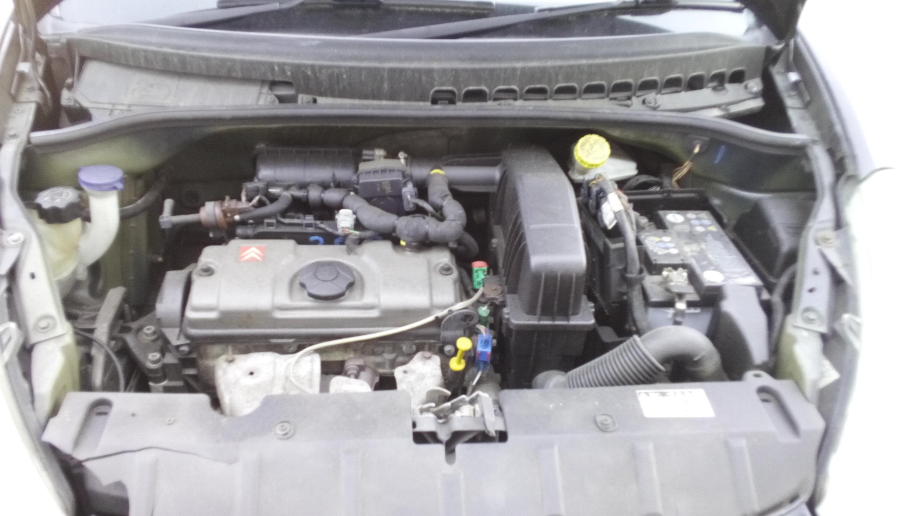 Dezmembrez Citroen C3 Pluriel, an 2004