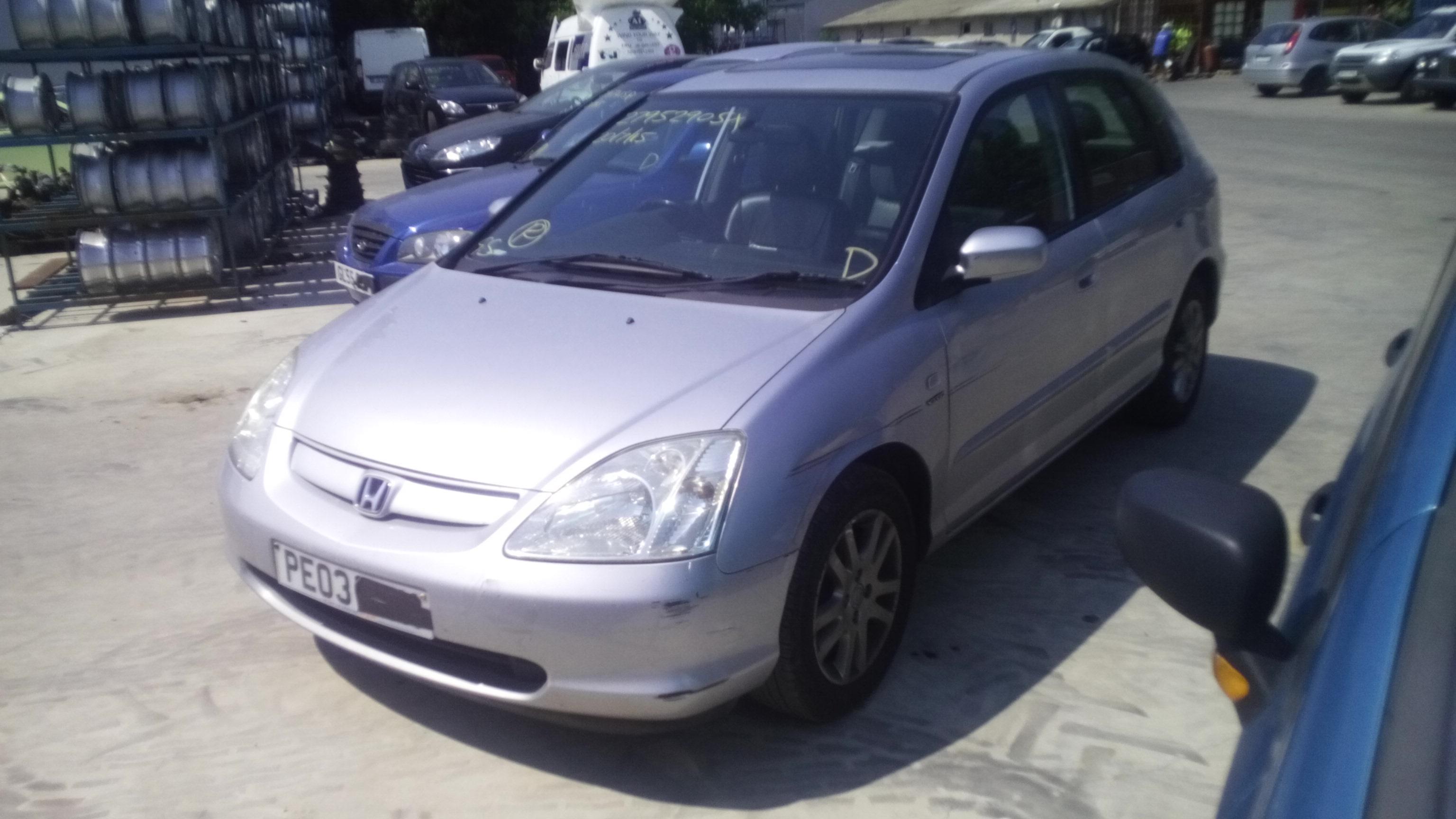 Dezmembrez Honda Civic VI, an 2003