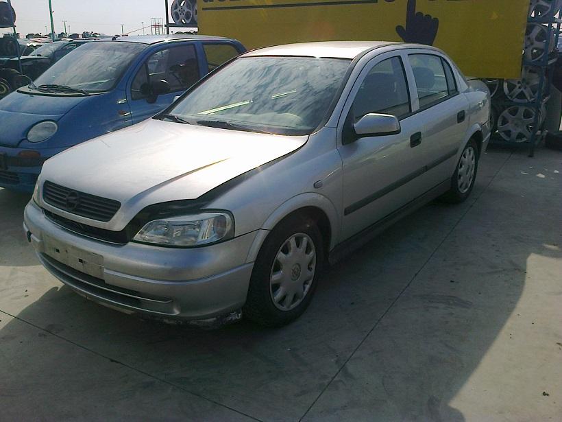 Dezmembrez Opel AstraG, an 2001