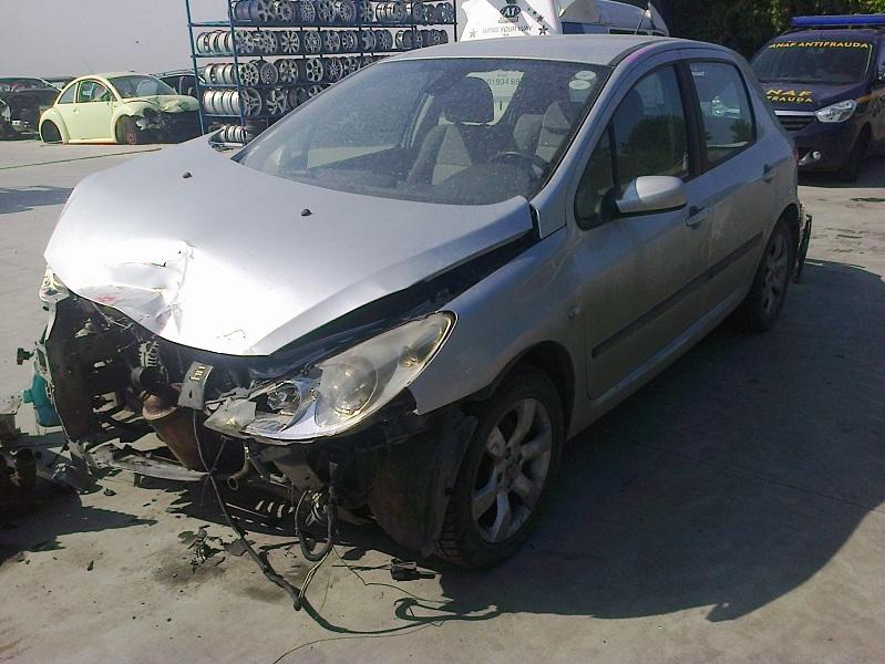 Dezmembrez Peugeot 307, an 2005