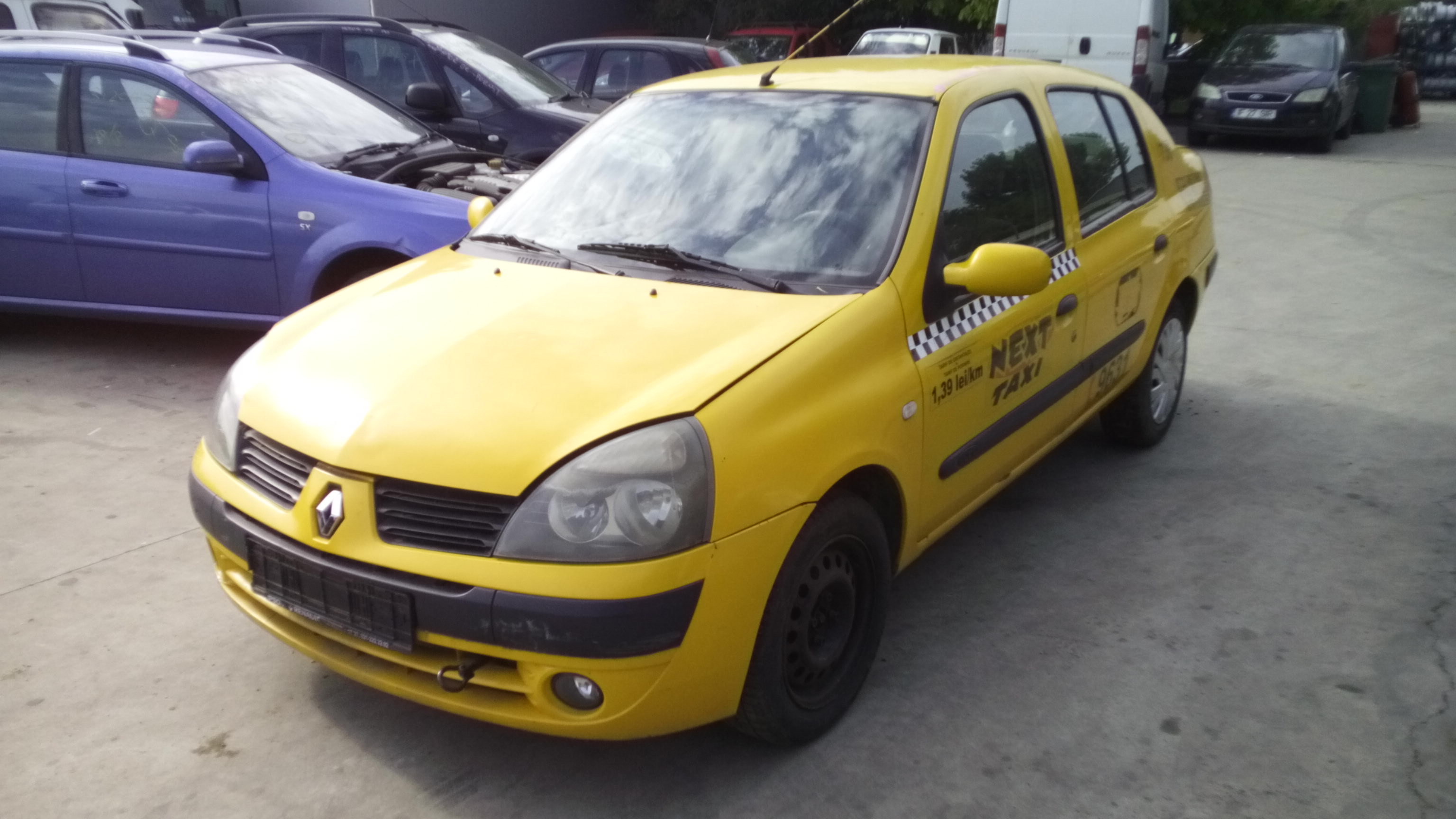Dezmembrez Renault Clio II, an 2005