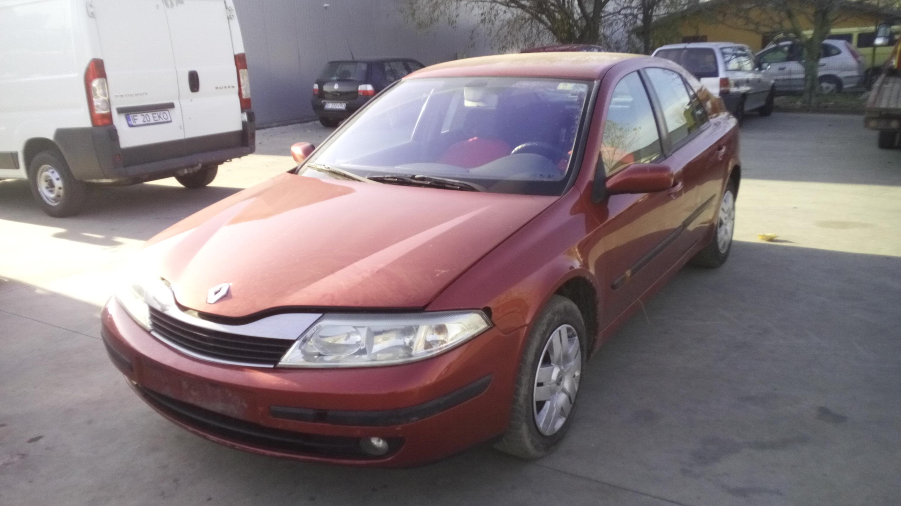 Dezmembrez Renault Laguna II, an 2001