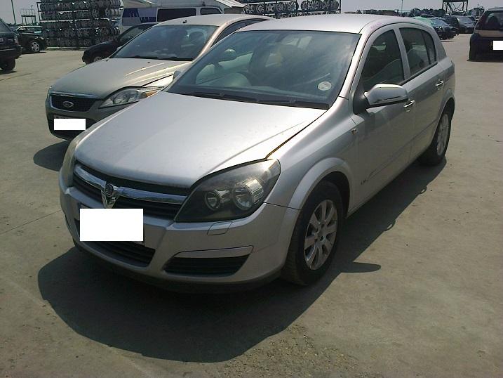 Dezmembrez Vauxhall Astra H, an 2005,