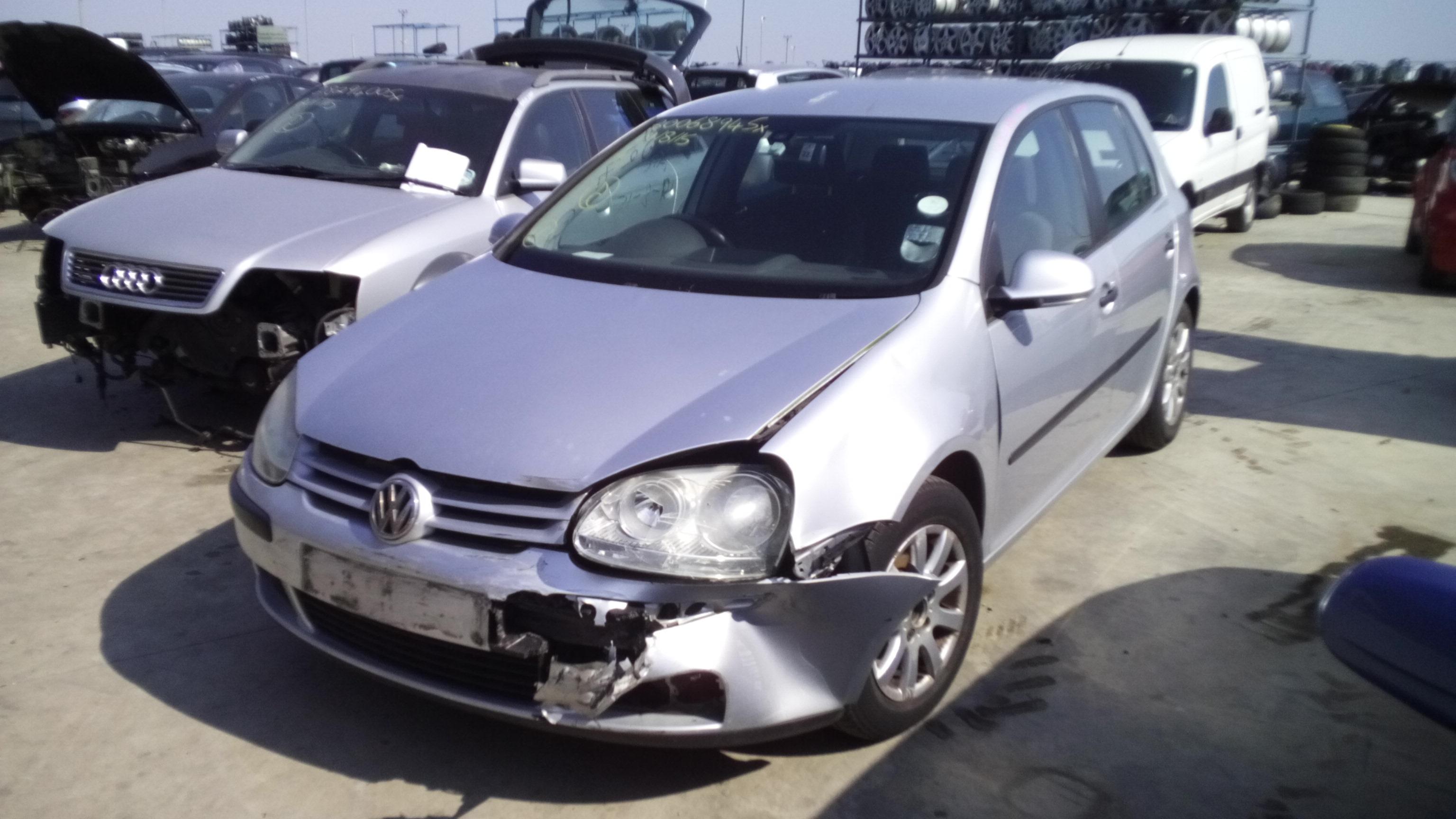 Dezmembrez Volkswagen Golf 5, an 2004