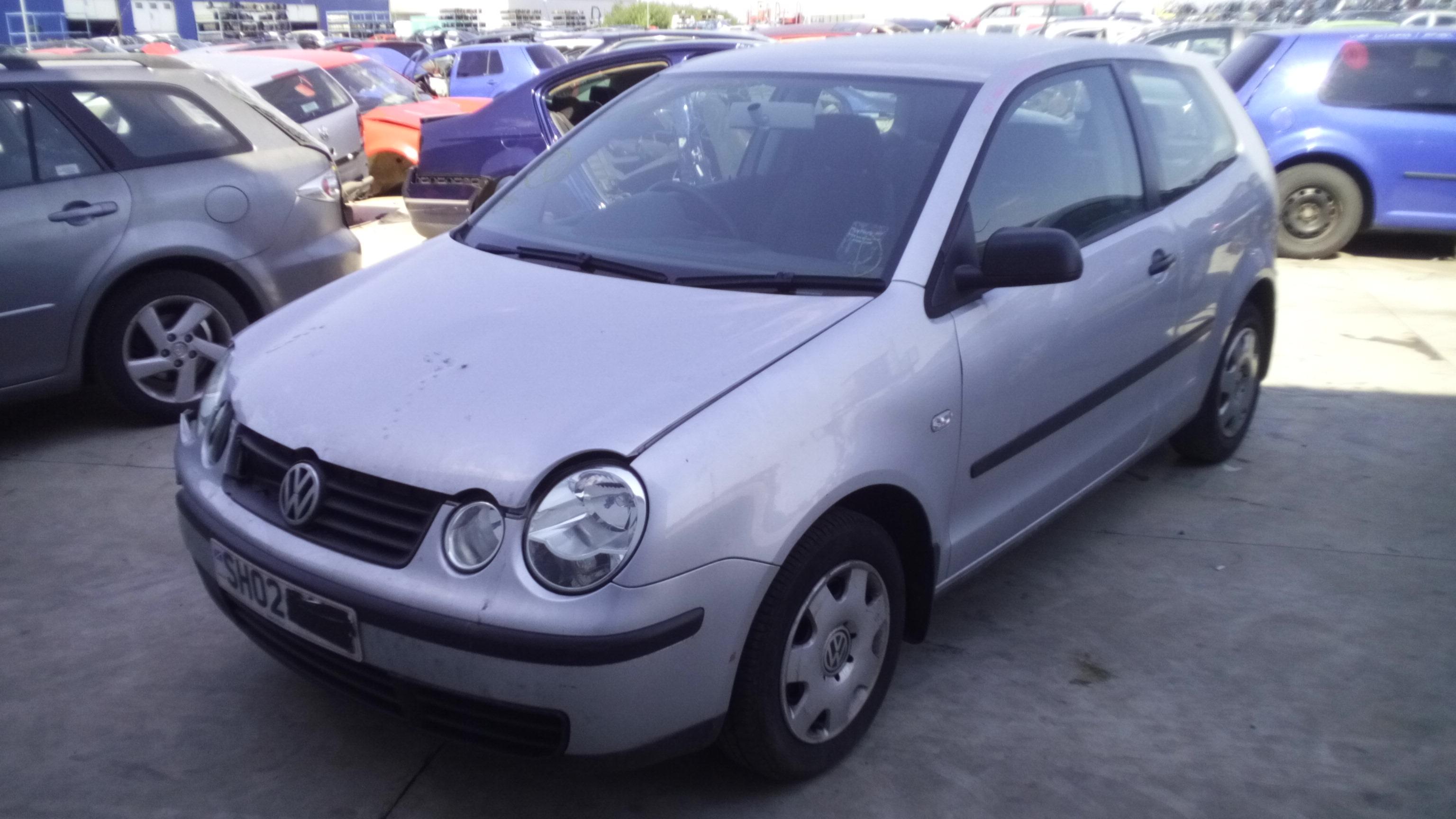 Dezmembrez Volkswagen Polo 9N, an 2002