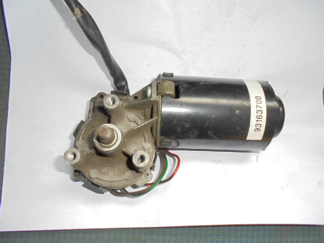 Motor stergator Iveco Daily 40-12 Bj.99 cod 0390246314  93163700