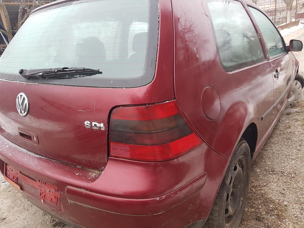 Dezmembrez VW Golf 4, 1.9 sdi, AGP, 50 kw, 2001, motor