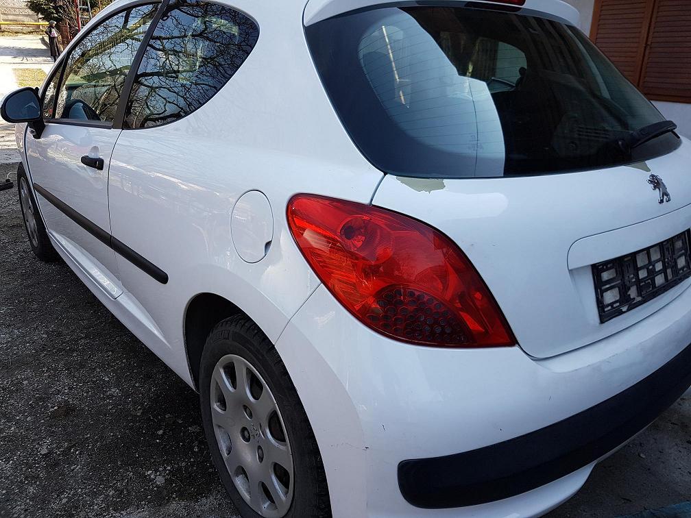 Dezmembrez Peugeot 207 1.4 hdi , 50 kw, motor 8HZ, 2007