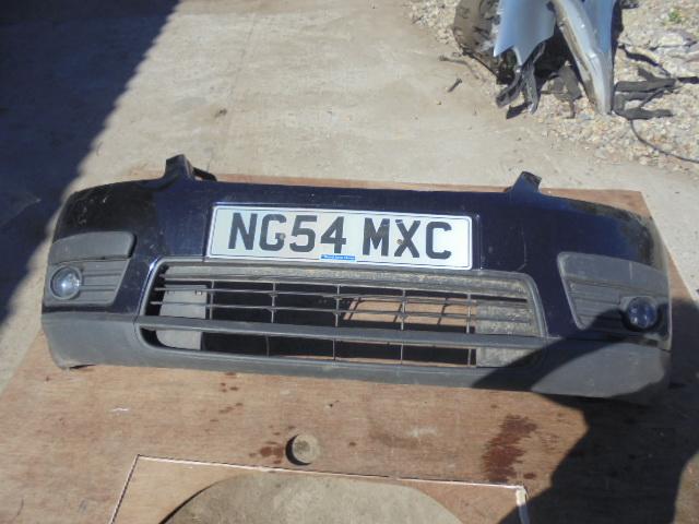 Bara fata ford focus cmax an 2005 culoare negru,model cu proiectoare