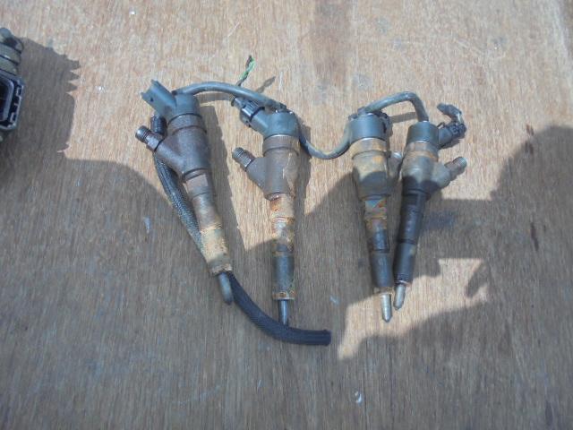 Injector Peugeot Boxer Citroen Jumper 2.0 2.2 HDI 0445110076