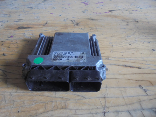 CALCULATOR MERCEDES VITO ,COD A64615304910