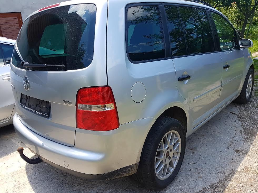 Dezmembrez VW Touran 1.9 tdi, 105 cp, motor BKC, usi