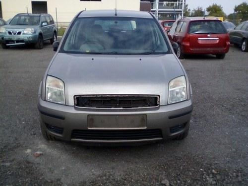 Dezmembrez Ford  Fusion ,an 2003