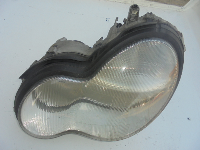 far mercedes c 220 an de fabricatie 2003 cod a2038200761