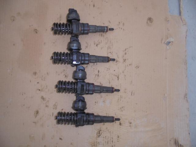 injectoare volkswagen passat 1.9 TDI 101cp, cod 038130073aj