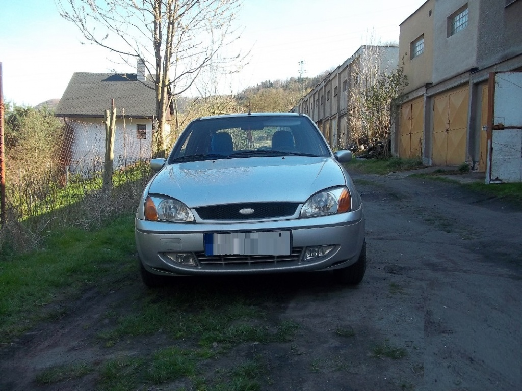Dezmembrez Ford Fiesta 1.4 diesel 2003