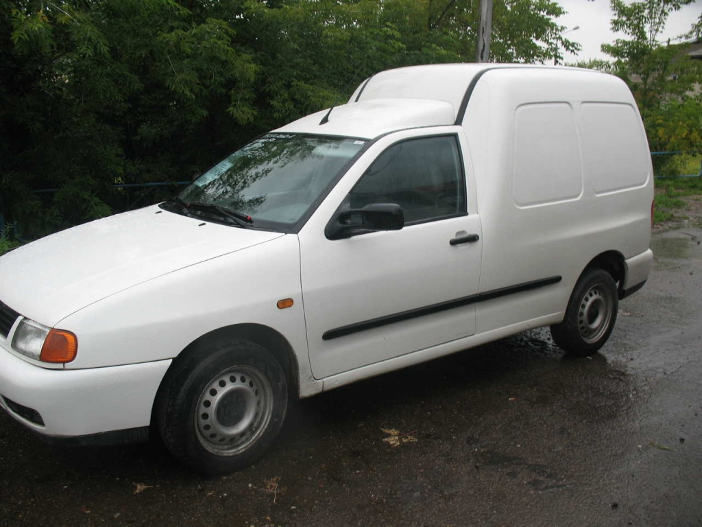 Dezmembrez VW Caddy 1.9 D 2000